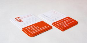 Formensprache des Logos – Kurve und Spitze: Visitenkarten mit nur 2 abgerundeten Ecken
